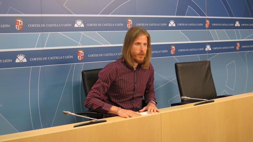 """Fernández (Podemos) destaca la """"honestidad"""" de Valdeón y cree que CyL pierde a una persona de """"extraordinaria valía"""""""