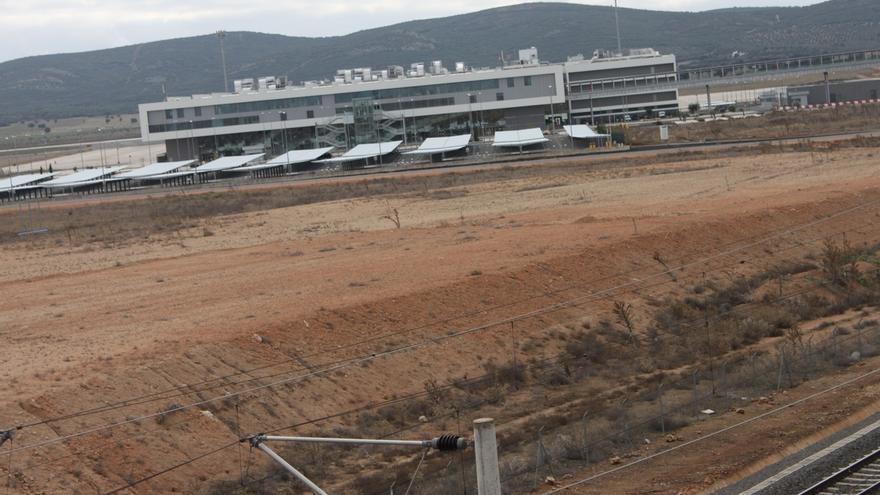 Los administradores concursales del aeropuerto podrían pasar de cobrar algo más de un millón a poco más de 100.000 euros