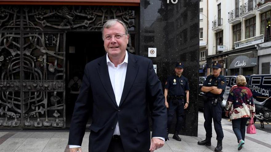 El alcalde de León intentará evitar una moción de censura con sus explicaciones