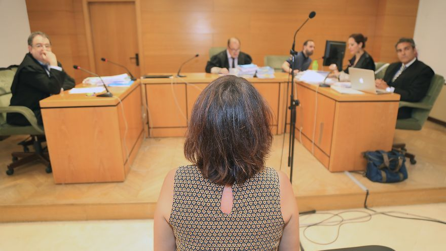 Juana Rivas, ante un tribunal durante una vista judicial, en 2018