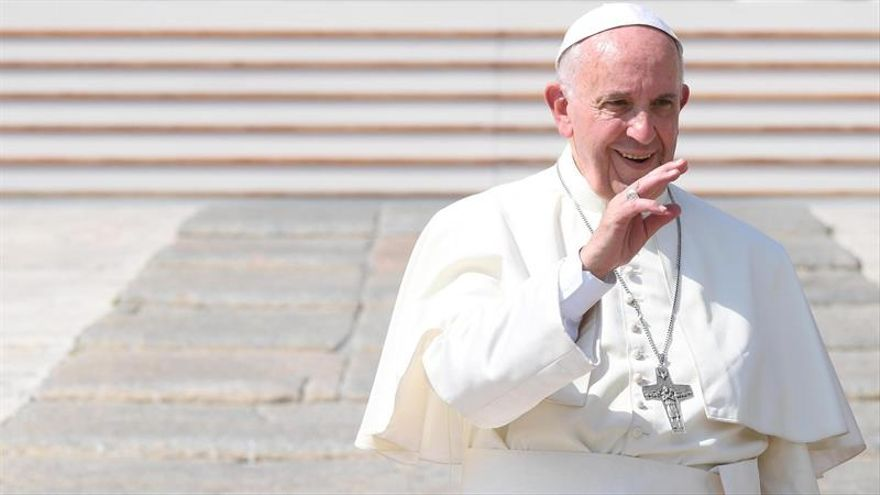 El papa dice que la corrupción genera pobreza, explotación y sufrimiento