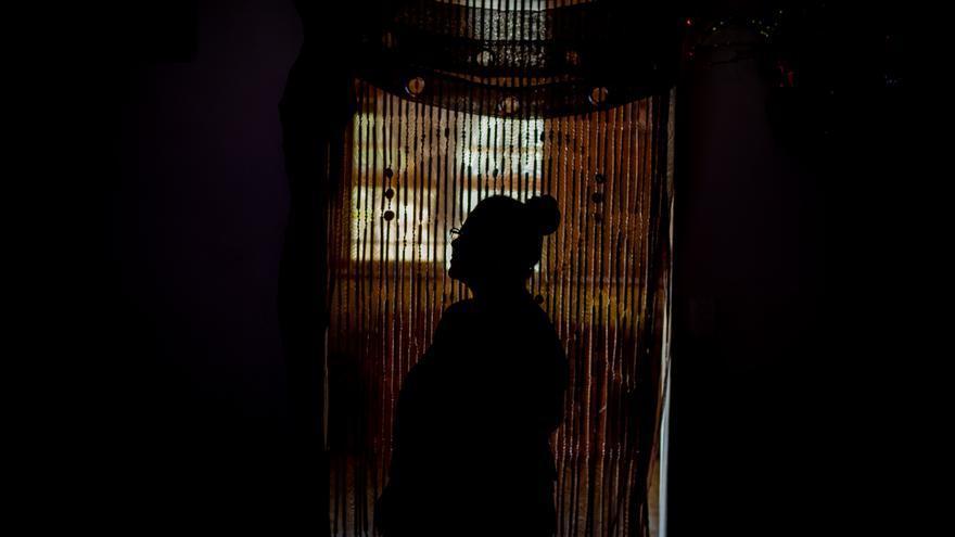"""Ana Yansy López Martínez, de 48 años vive en La Cruz, Costa Rica los migrantes y coyotes la llaman """"Mamá África""""."""