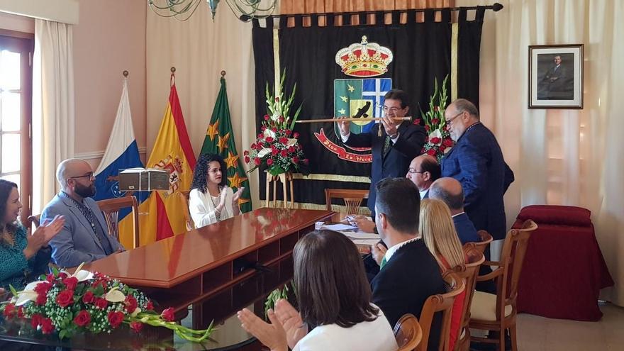 José Adrián Hernçadez en la toma de posesión.