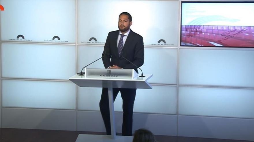 Archivo - El líder de Vox en el Parlament, Ignacio Garriga, en rueda de prensa en el Parlament