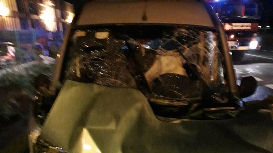 Herido grave al colisionar con un autobús urbano en Beriáin