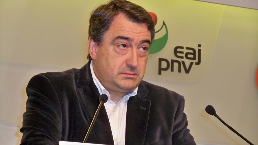 """PNV advierte de que si Rajoy """"se excede en las medidas"""" en Cataluña,  """"no se dan las circunstancias para hablar"""" de PGE"""
