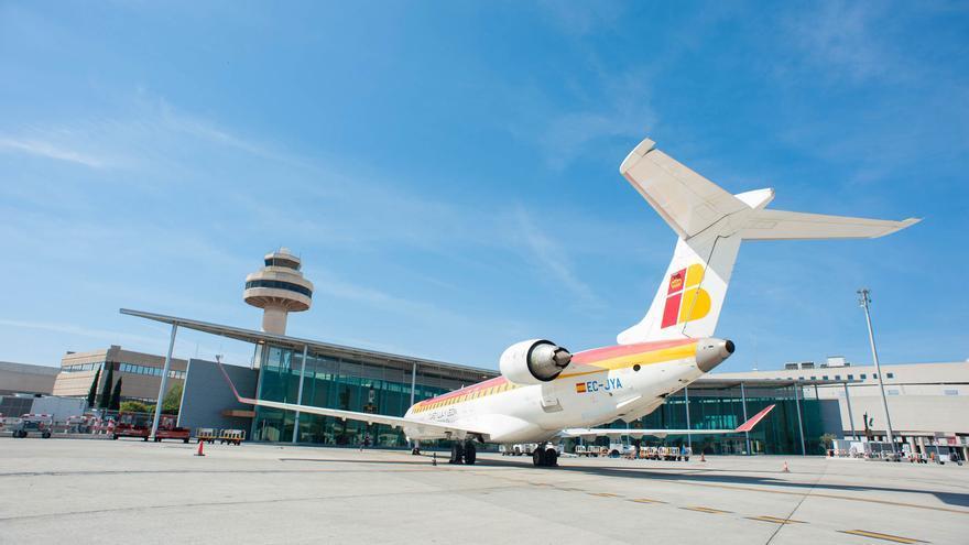 Avión de Iberia en el Aeropuerto de Mallorca