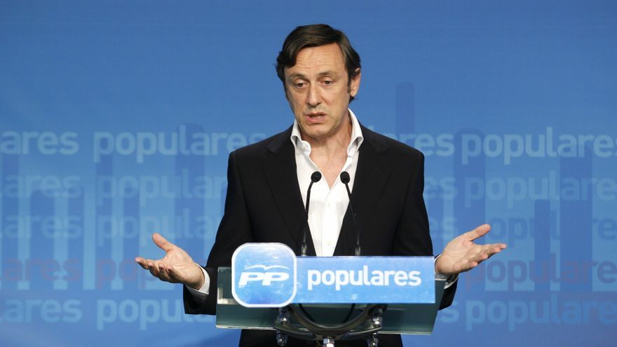 """El PP ve un """"sarcasmo"""" que Rubalcaba hable de corrupción e insta a los demás a imitar la transparencia de Génova"""