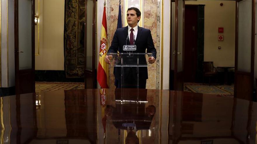 Rivera recalca que la Fiscalía no sirve solamente al Gobierno