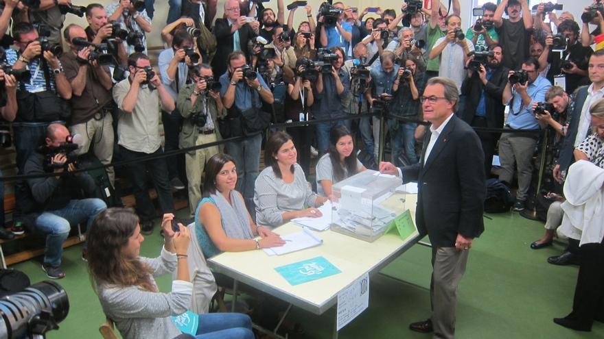 """Mas expresa su """"gratitud"""" a Salmond por su apoyo a Cataluña tras los comicios del 27S"""
