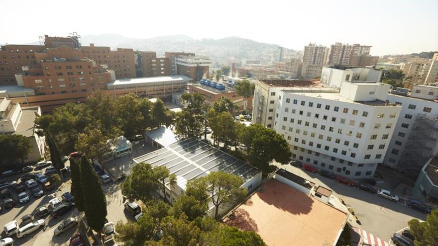 Mueren 2 bebés prematuros por una bacteria y aíslan a otros tres en Barcelona