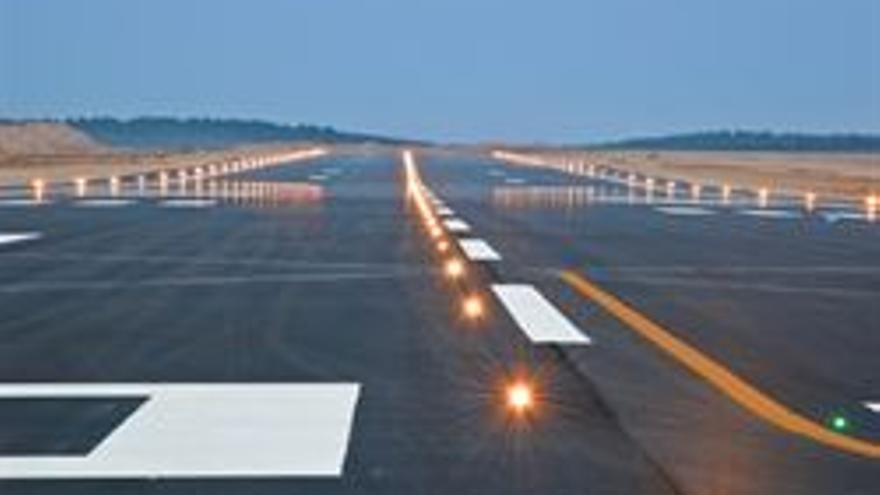 Compromís pide explicaciones al Gobierno sobre la posible venta del aeropuerto de Castellón a capital extranjero