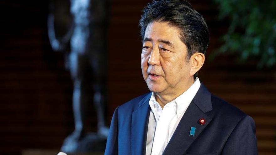 Abe pide a EEUU y Rusia presionar más a Pyongyang tras su último test nuclear