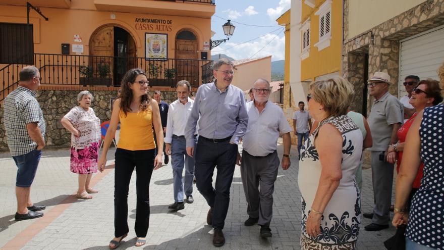 Mónica Oltra y Ximo Puig, en Casas Altas (Rincón de Ademuz).