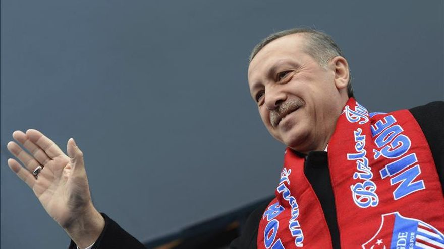 "Erdogan promete ""arrancar de raíz"" Twitter, diga lo que diga el mundo"