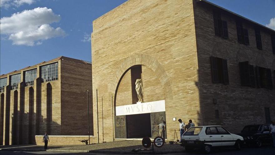 La Reina inaugura en Mérida la cita mundial de la arqueología clásica