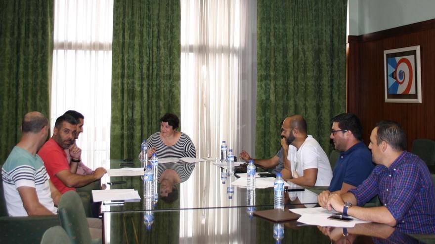 Reunión de trabajo para los preparativos del estreno de la 'Transvulcania Bike',