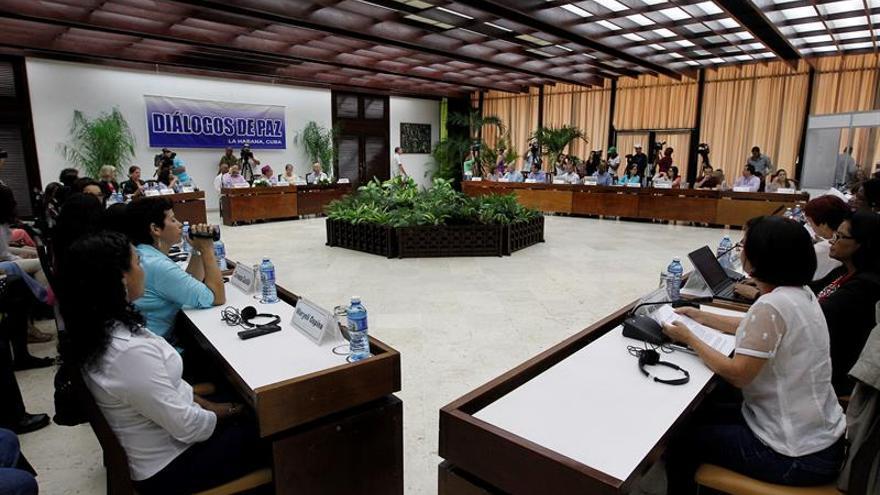 Mujeres excombatientes de varios países dialogan con los negociadores colombianos