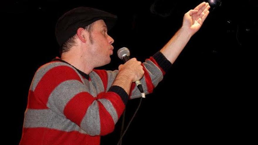 Dani Orviz, poeta y performer asturiano