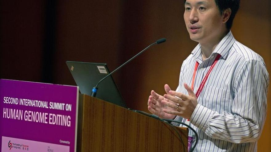 El científico chino que modificó bebés actuó ilegalmente, según una investigación