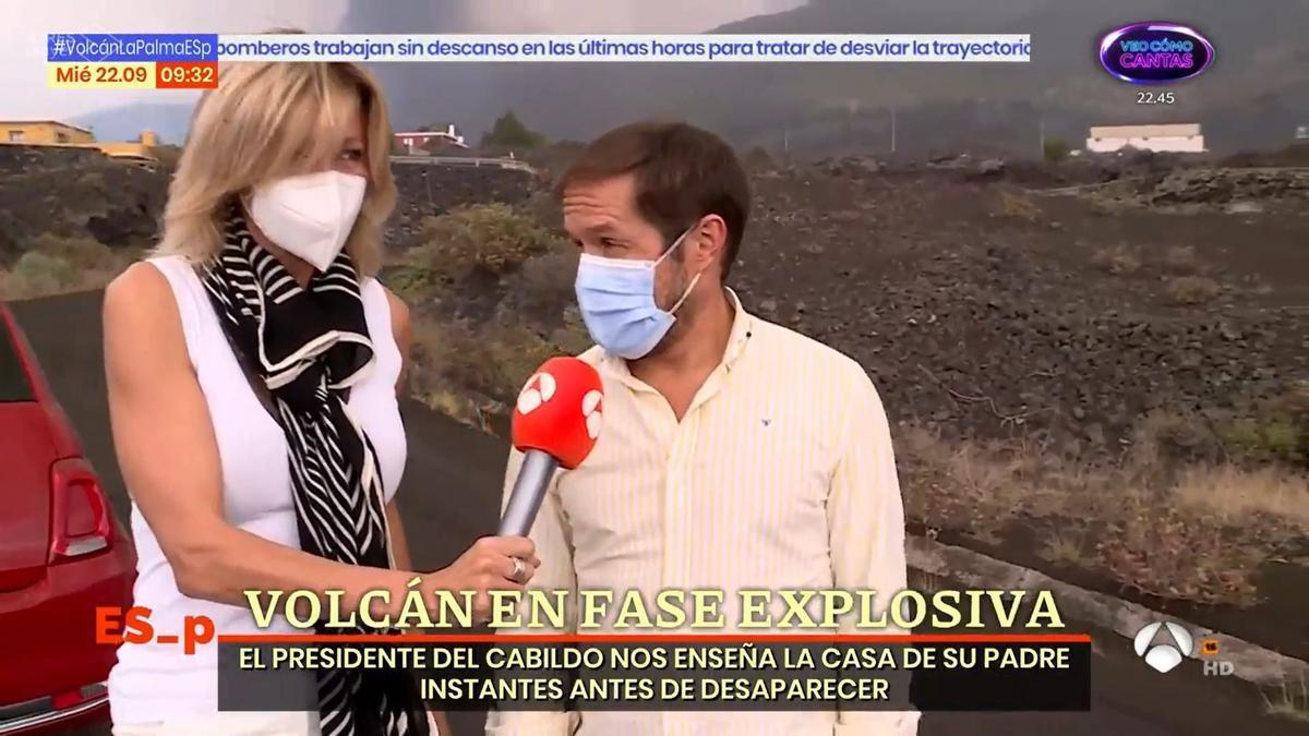 Susana Griso entrevista al presidente del Cabildo de La Palma en el barrio de Tacondo, antes de que llegara la lava