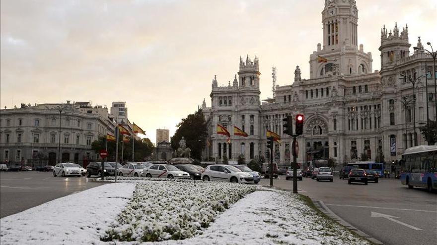 Media España continúa en alerta por frío intenso, nieve, lluvia o viento