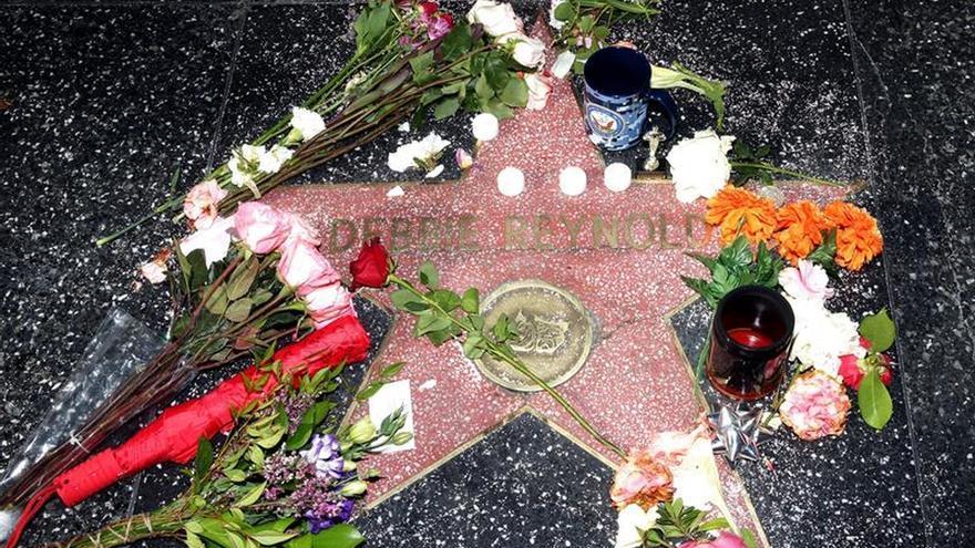 Los familiares de Debbie Reynolds y Carrie Fisher planean un funeral conjunto