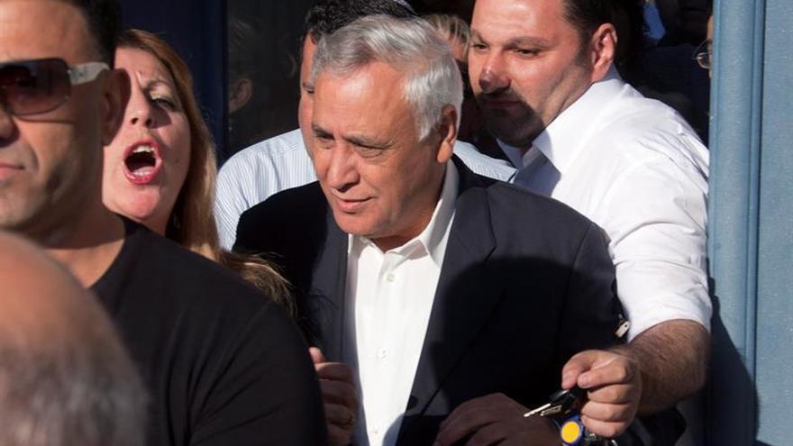 La comisión de indulto deja en libertad condicional al expresidente israelí