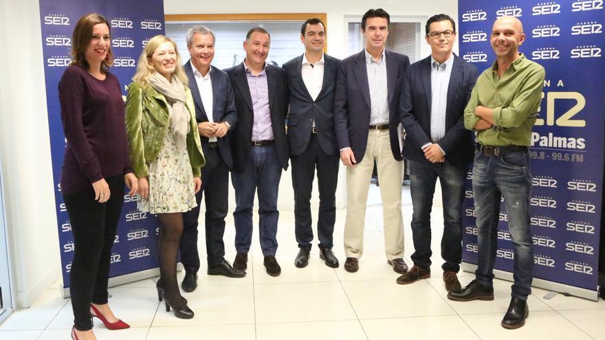 Debate de los principales candidatos al Congreso por la provincia de Las Palmas. Victoria Rosell de Podemos (2i); Sebastián Franquis del PSOE (3i); Saúl Ramírez de Ciudadanos (c), José Manuel Soria del PP (3d); y Pablo Rodríguez de CC (2d)