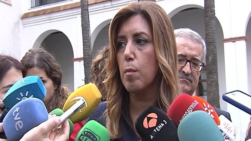 """Susana Díaz acusa a Pablo Iglesias de """"poner en riesgo la memoria del país"""" para """"arañar un puñado de votos"""""""