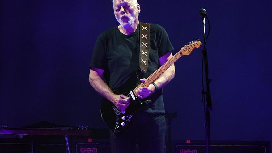 David Gilmour revive a Pink Floyd en su primera cita con Suramérica