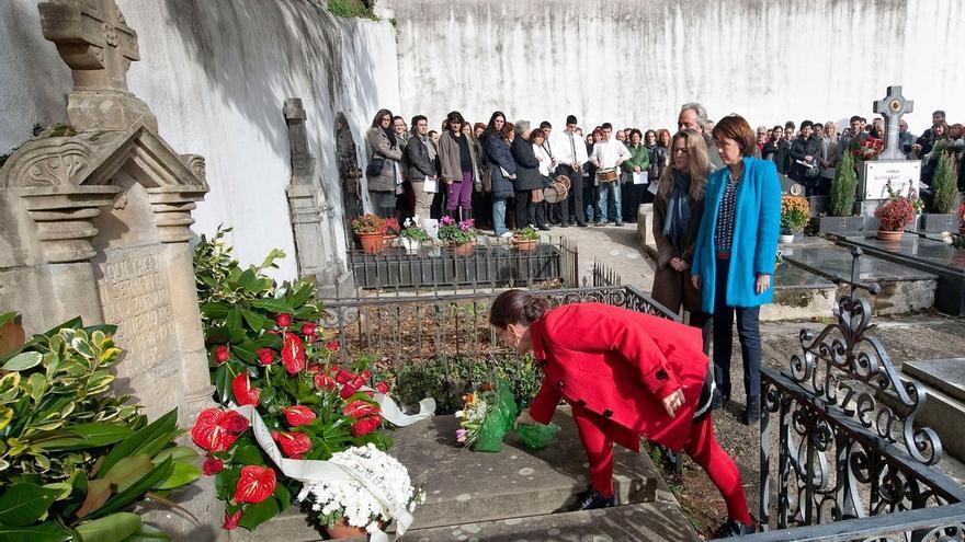 Una ofrenda floral y un concierto recuerdan en Bera a Julio Caro Baroja en el centenario de su nacimiento