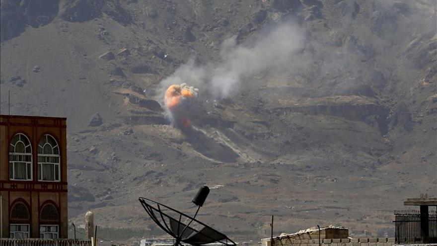 Explosiones en almacenes de armas en Saná por bombardeos de la coalición
