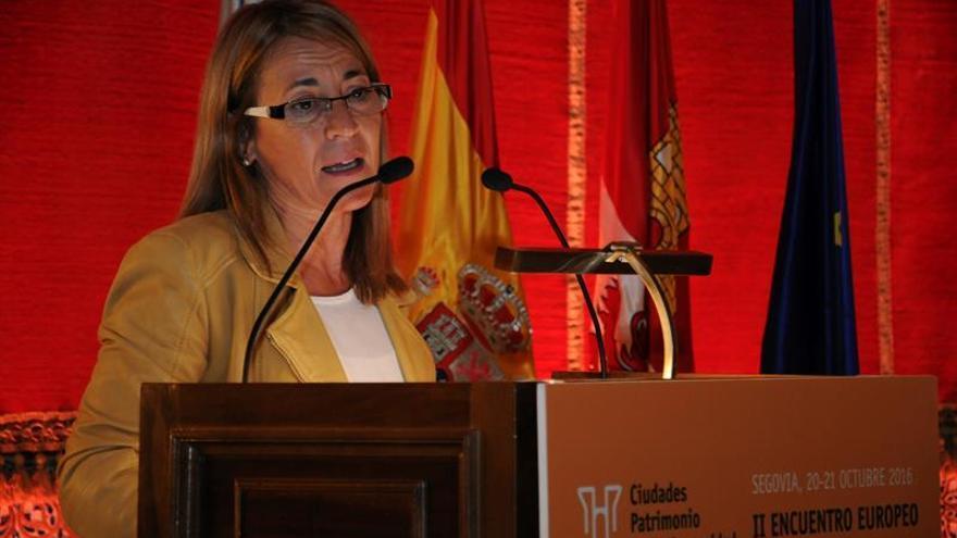 La alcaldesa de Cáceres apunta a que el incendio de la Montaña pudo ser provocado