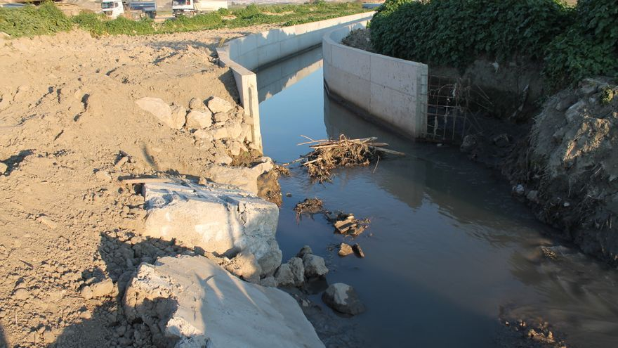 Acequias destruidas por las obras de la autovía