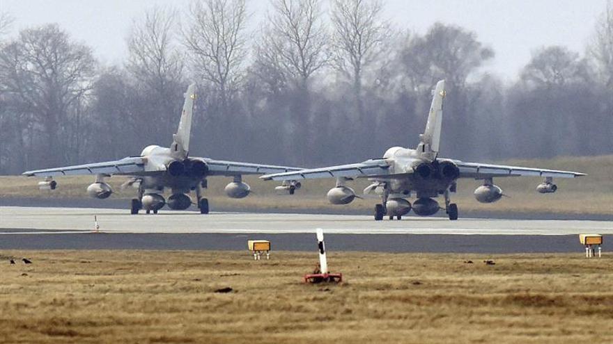 Turquía ofrece a Rusia el uso de una base aérea para combatir al EI