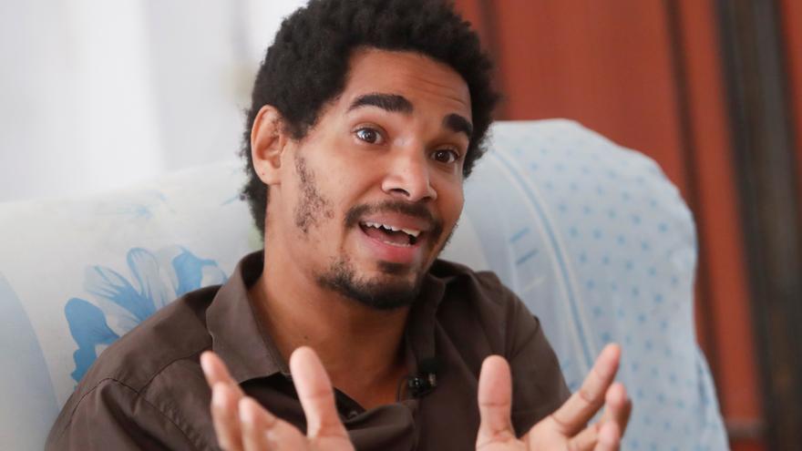 """Alertan que el artista cubano Otero Alcántara """"corre peligro"""" en el hospital"""