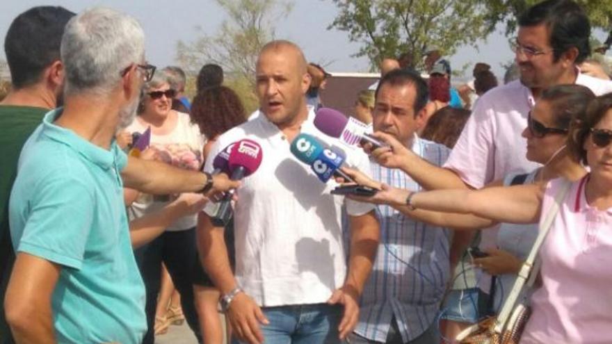 El alcalde de Chiloeches y el coordinador regional de Izquierda Unida