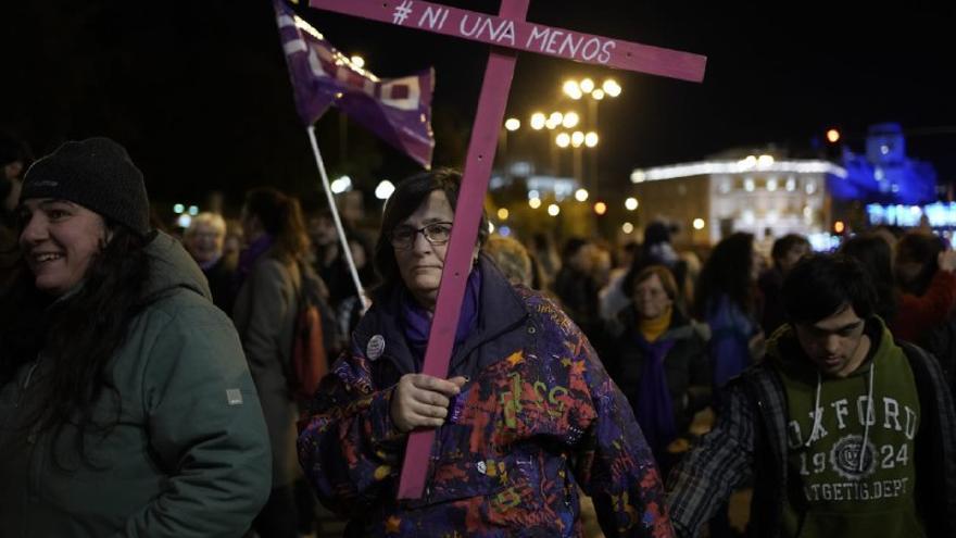 Mujer manifestándose durante la marcha feminista de Madrid