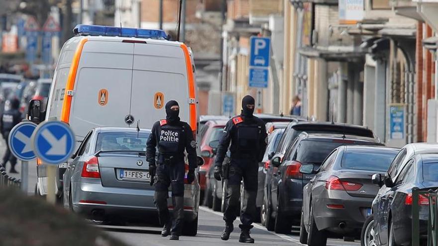 La policía busca a ocho presuntos cómplices de los atentados, según medios