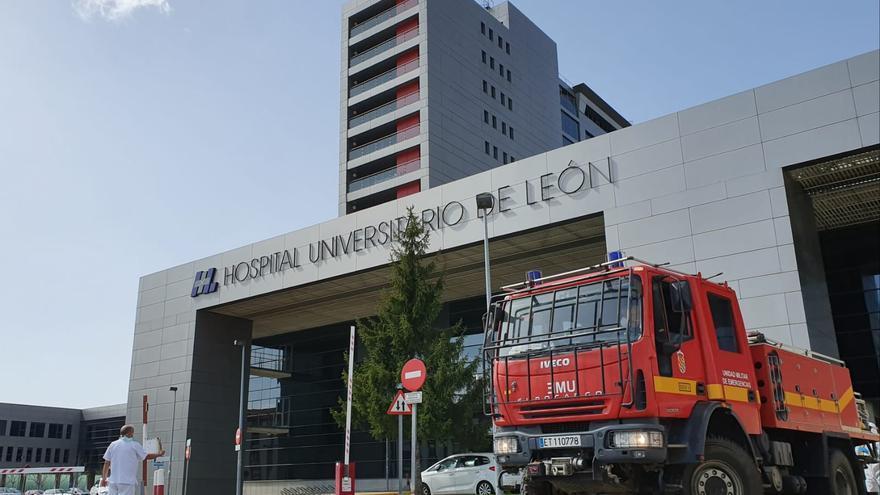 Desinfección de la Unidad Militar de Emergencias (UME) del Hospital de León