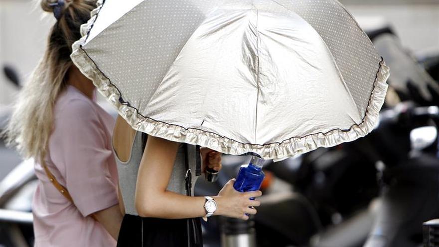El calor mantiene 32 provincias en alerta por temperaturas de hasta 41 grados