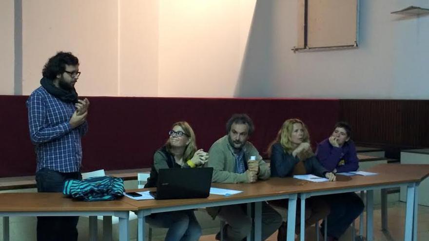 Charla sobre la Ley Mordaza realizada por el Sindicato de Periodistas de Canarias (GARA SANTANA)