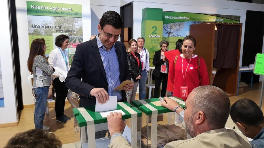 """Mario Jiménez pide que """"se haga más fuerte la democracia"""" frente a """"quienes no creen en sus valores"""""""