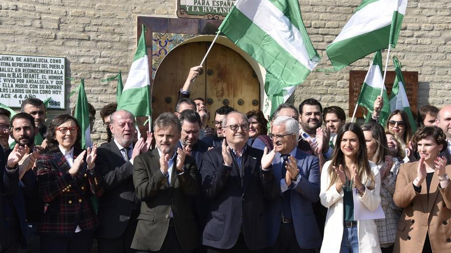 """PSOE-A reivindica su papel en los avances de la autonomía andaluza, ahora """"en peligro"""" por la """"regresión"""" de la derecha"""