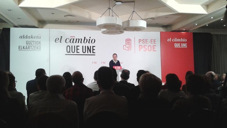 "Luena (PSOE) destaca la ""posición responsable"" del lehendakari en contraposición a la situación que se vive en Cataluña"