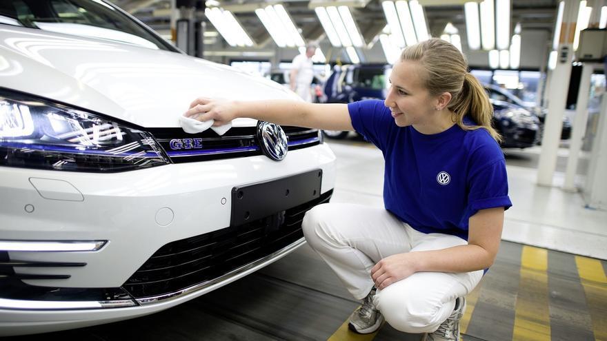 Volkswagen recortará un 7,6% sus inversiones en 2016 por los casos de las emisiones