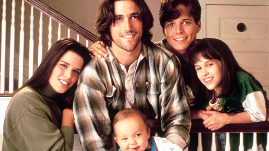 Los creadores de Cinco en familia preparan un reboot de la mítica serie de los 90