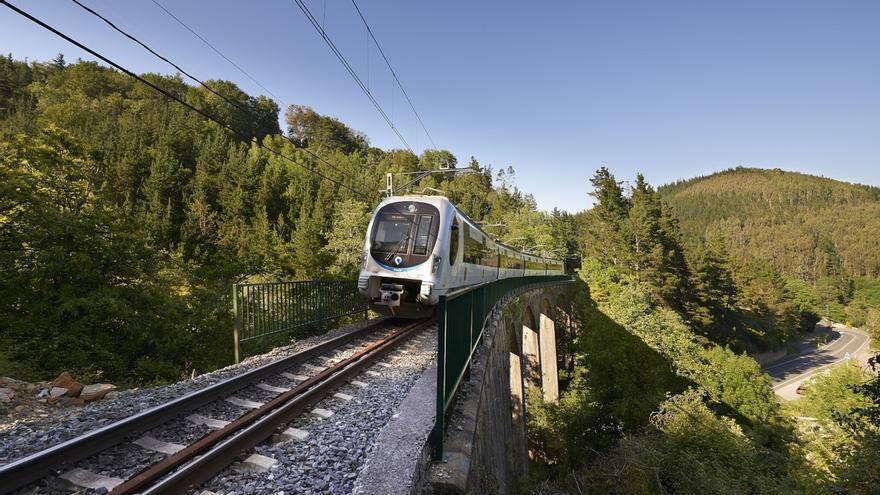 El horario de verano en todas las líneas de ferrocarril de Euskotren entrará en vigor el próximo lunes