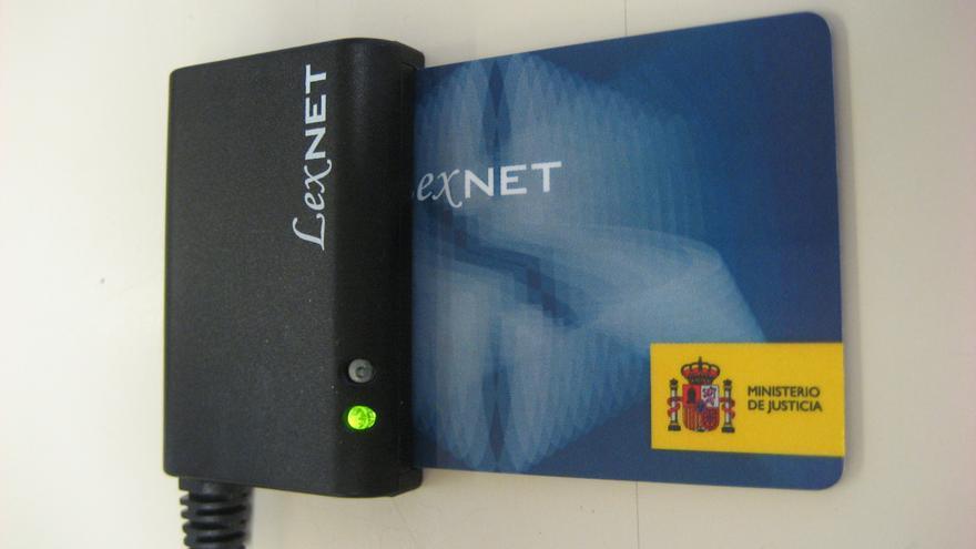 Lector de tarjetas y tarjeta LexNET
